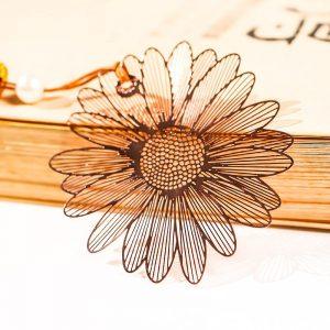 Separador de flor vintage de metal para libros